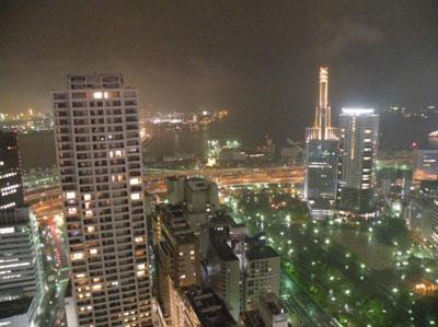 高層マンション 夜景